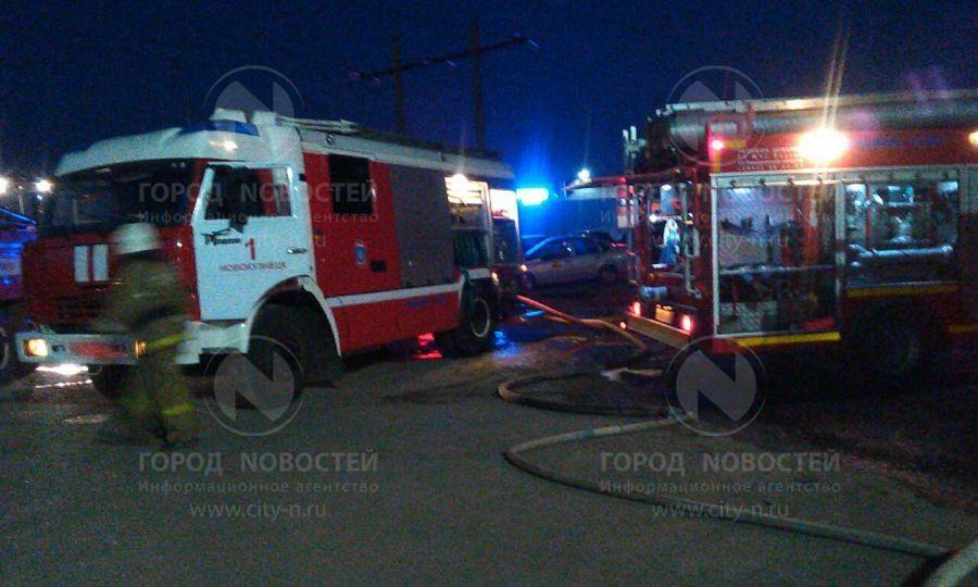 В Новокузнецке на АЗС сгорел пассажирский автобус