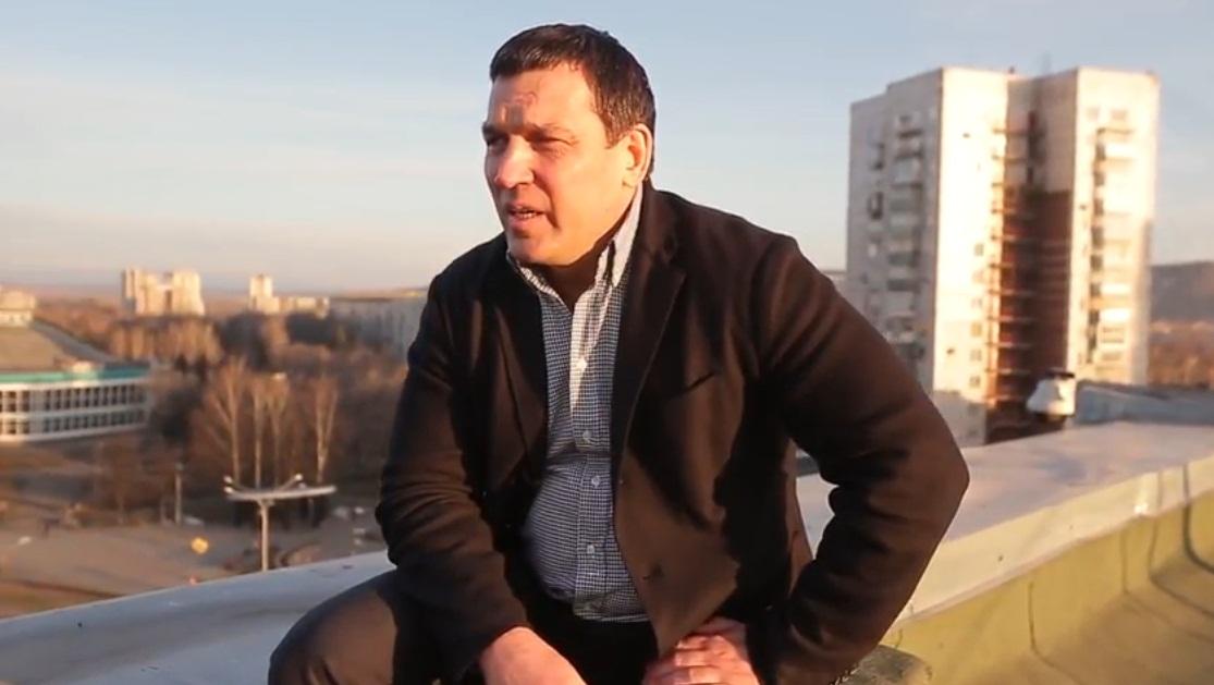 Мэр Новокузнецка Сергей Кузнецов снялся вновом клипе про субботник