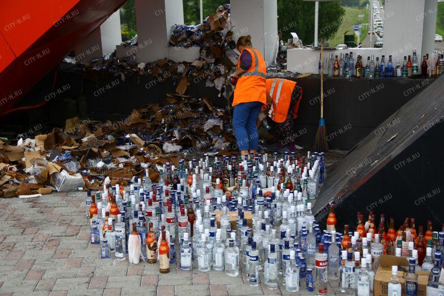 Разбившийся в Новокузнецке грузовик перевозил тонны алкоголь разных марок